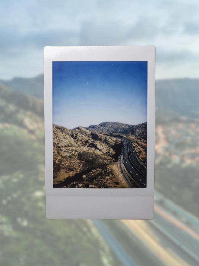 Góc sáng tạo: Kết hợp máy ảnh mì ăn liền Fujifilm Instax cùng Drone, ảnh ra chất không tưởng - Ảnh 8.