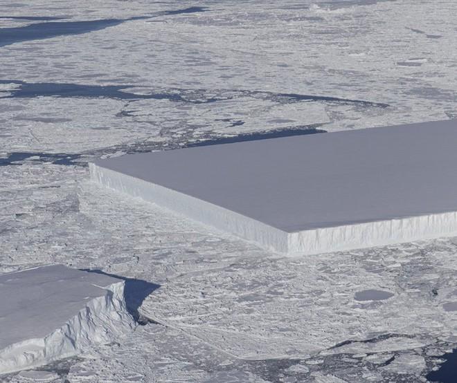 Chuyện gì sẽ xảy ra với tảng băng hình chữ nhật vuông thành sắc cạnh từng gây sốt của NASA? - Ảnh 1.