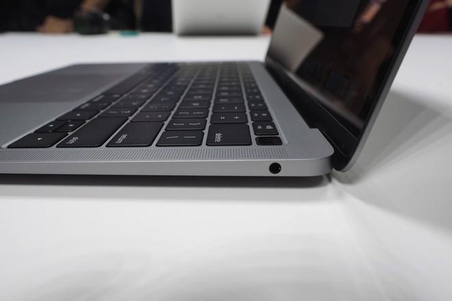 Cận cảnh MacBook Air 2018: Mọi thứ đều ổn trừ cấu hình quá yếu so với giá tiền - Ảnh 13.