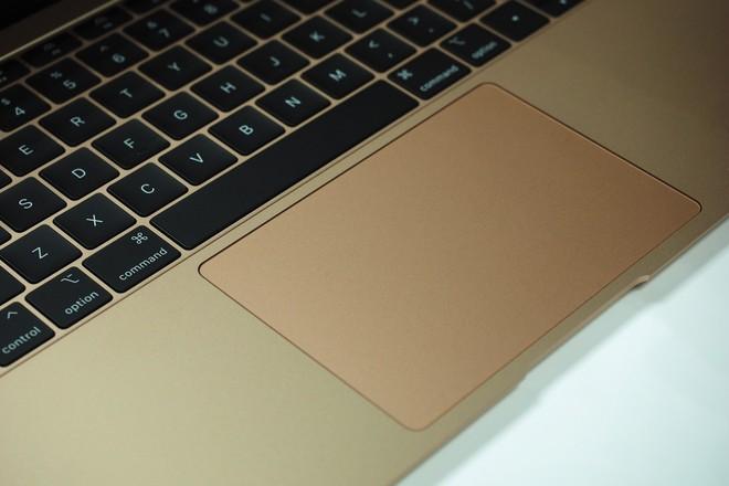 Cận cảnh MacBook Air 2018: Mọi thứ đều ổn trừ cấu hình quá yếu so với giá tiền - Ảnh 10.
