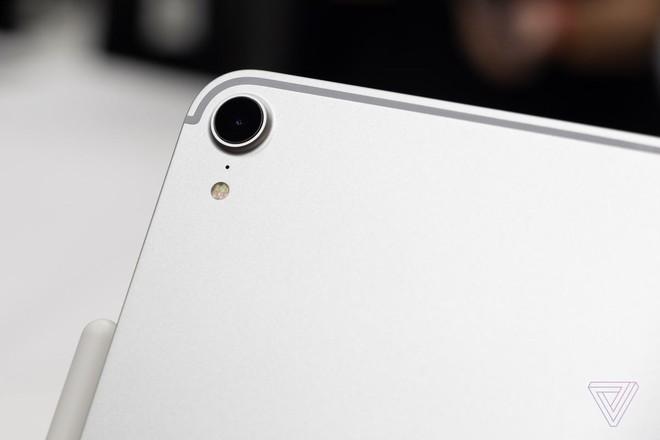 Cận cảnh iPad Pro mới, chiếc tablet có thiết kế toàn màn hình của Apple - Ảnh 10.