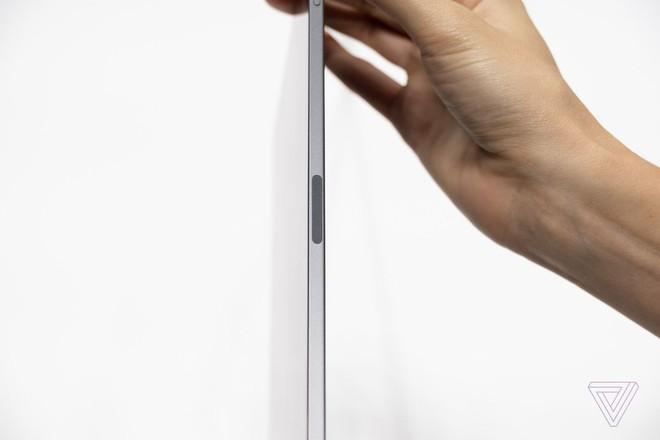 Cận cảnh iPad Pro mới, chiếc tablet có thiết kế toàn màn hình của Apple - Ảnh 12.