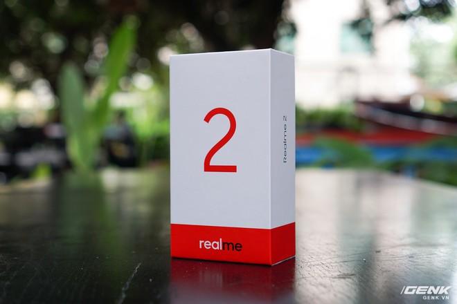 Trên tay Realme 2: Khi Oppo quyết định khô máu với Xiaomi - Ảnh 1.