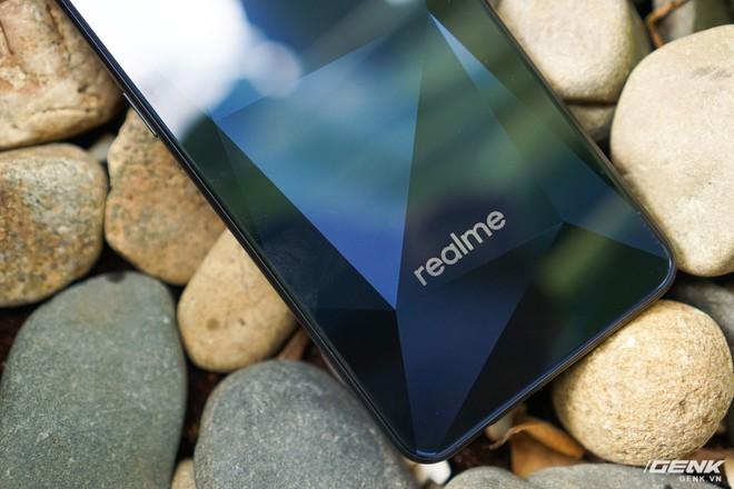 Trên tay Realme 2: Khi Oppo quyết định khô máu với Xiaomi - Ảnh 15.