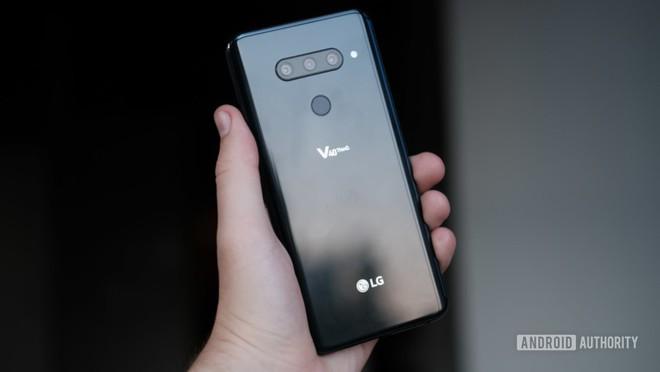 Đánh giá LG V40 ThinQ: Nhiều cải tiến cao cấp nhưng chưa thực sự xứng đáng với mức giá 1.000 USD - Ảnh 1.