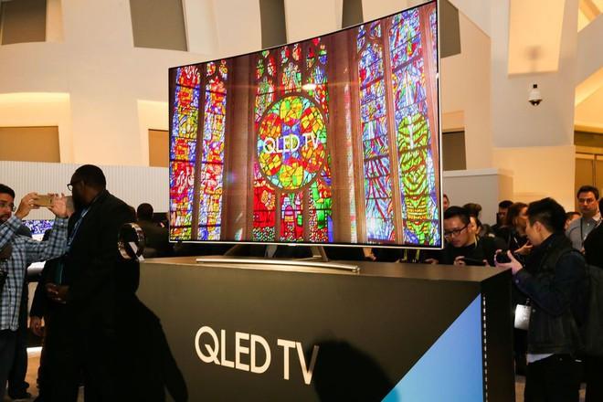 Vừa áp dụng chiến lược mới, Samsung đã đánh bại LG và Sony trên phân khúc TV cao cấp tại thị trường Mỹ - Ảnh 1.