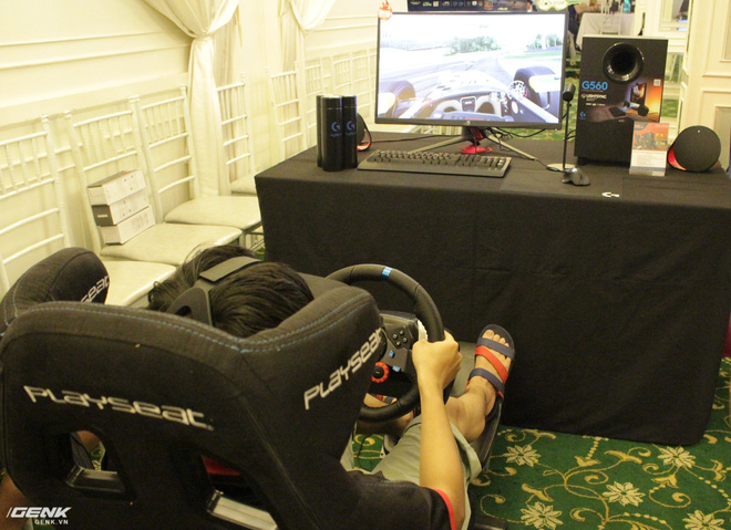 Logitech chính thức ra mắt sạc không dây PowerPlay và tai nghe G933 tại thị trường Việt Nam - Ảnh 10.