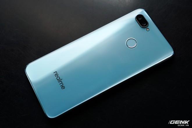 Ảnh thực tế Realme 2 Pro tại Việt Nam: thiết kế giống Oppo F9, chạy Snapdragon 660, RAM 8 GB nhưng giá dưới 7 triệu - Ảnh 3.