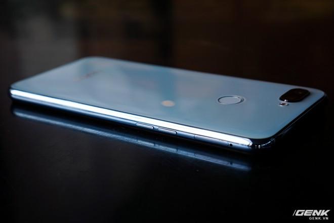 Ảnh thực tế Realme 2 Pro tại Việt Nam: thiết kế giống Oppo F9, chạy Snapdragon 660, RAM 8 GB nhưng giá dưới 7 triệu - Ảnh 9.