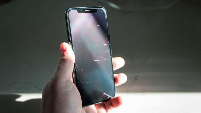 Đánh giá iPhone X sau 1 năm sử dụng: Tróc sơn, tai thỏ, Face ID, mức độ giữ giá và những vấn đề liên quan - Ảnh 4.