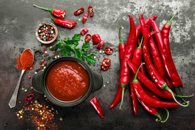Tại sao một số người có thể cuồng ăn ớt đến lạ thường? - Ảnh 1.