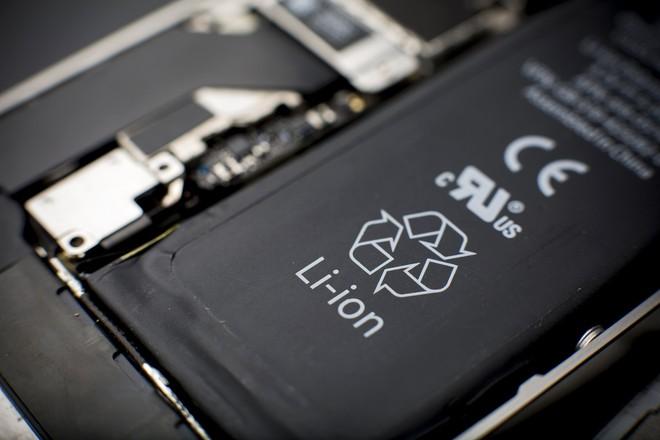 Các nhà khoa học tìm ra cách thay đổi cơ chế của pin lithium-ion, giúp tăng tuổi thọ và tránh tai nạn cháy nổ - Ảnh 1.