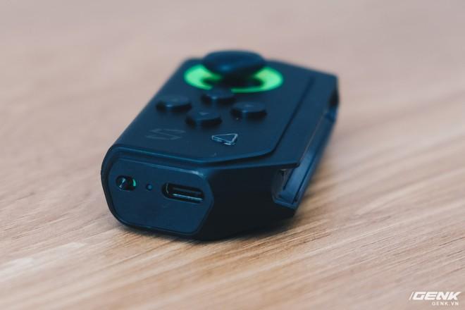 Trên tay smartphone chuyên game Black Shark Helo mới về VN: RAM 10GB, LED RGB, có sẵn tay cầm trong hộp - Ảnh 23.