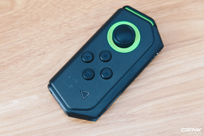 Trên tay smartphone chuyên game Black Shark Helo mới về VN: RAM 10GB, LED RGB, có sẵn tay cầm trong hộp - Ảnh 21.