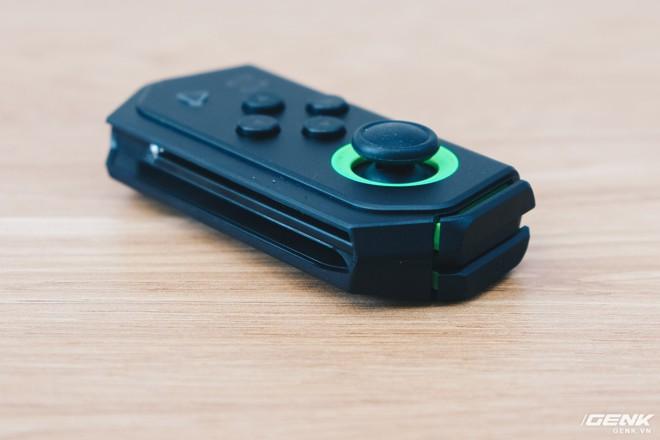 Trên tay smartphone chuyên game Black Shark Helo mới về VN: RAM 10GB, LED RGB, có sẵn tay cầm trong hộp - Ảnh 22.