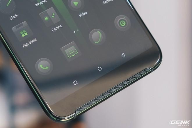 Trên tay smartphone chuyên game Black Shark Helo mới về VN: RAM 10GB, LED RGB, có sẵn tay cầm trong hộp - Ảnh 5.