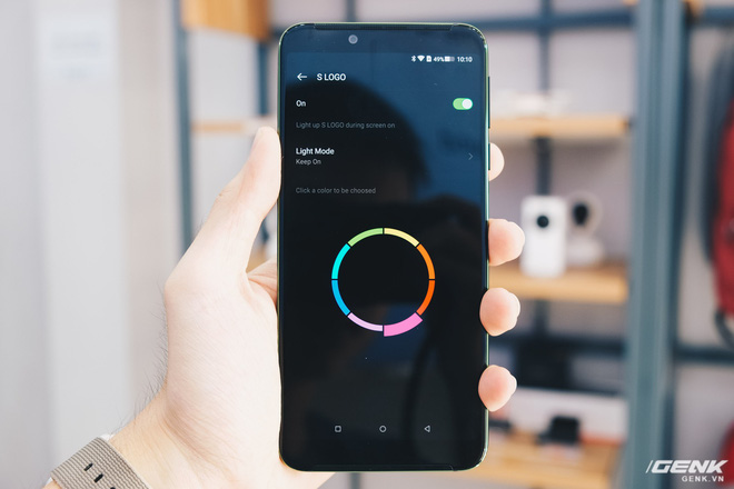 Trên tay smartphone chuyên game Black Shark Helo mới về VN: RAM 10GB, LED RGB, có sẵn tay cầm trong hộp - Ảnh 18.