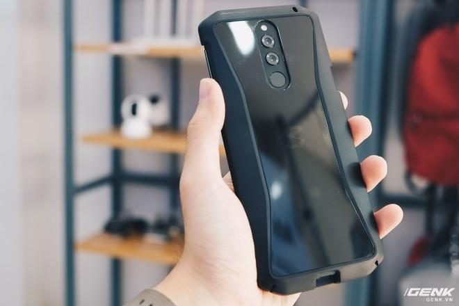 Trên tay smartphone chuyên game Black Shark Helo mới về VN: RAM 10GB, LED RGB, có sẵn tay cầm trong hộp - Ảnh 25.