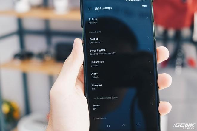 Trên tay smartphone chuyên game Black Shark Helo mới về VN: RAM 10GB, LED RGB, có sẵn tay cầm trong hộp - Ảnh 13.