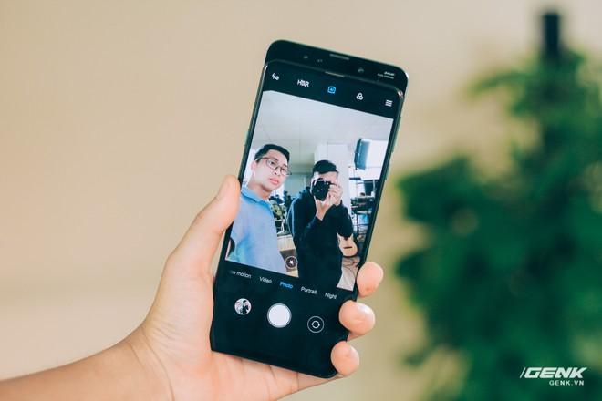 Mở hộp và trên tay Xiaomi Mi Mix 3 mới về VN: Thiết kế trượt độc đáo, cấu hình mạnh, tặng kèm sạc không dây - Ảnh 12.