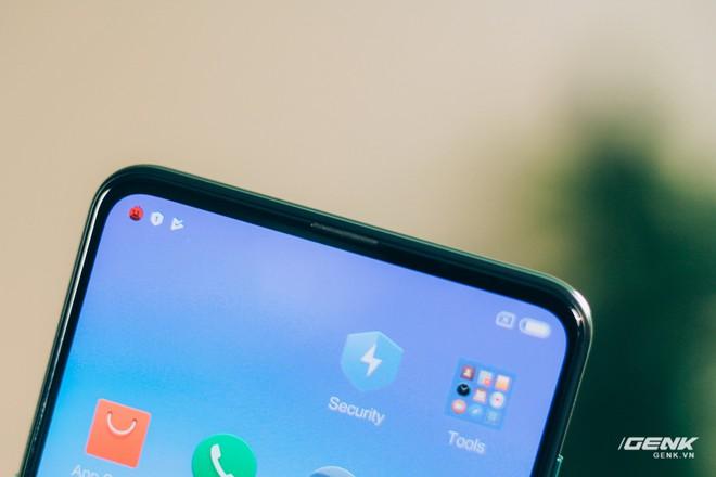 Mở hộp và trên tay Xiaomi Mi Mix 3 mới về VN: Thiết kế trượt độc đáo, cấu hình mạnh, tặng kèm sạc không dây - Ảnh 9.