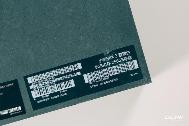 Mở hộp và trên tay Xiaomi Mi Mix 3 mới về VN: Thiết kế trượt độc đáo, cấu hình mạnh, tặng kèm sạc không dây - Ảnh 2.