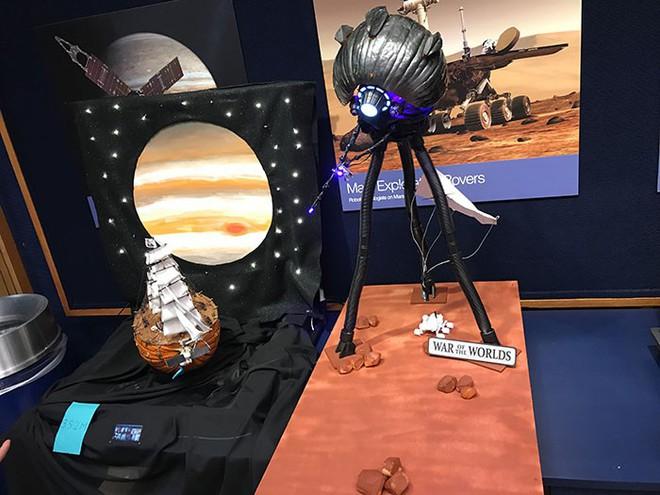 NASA đã không chơi Halloween thì thôi, đã chơi thì phải chất thế này đây - Ảnh 11.