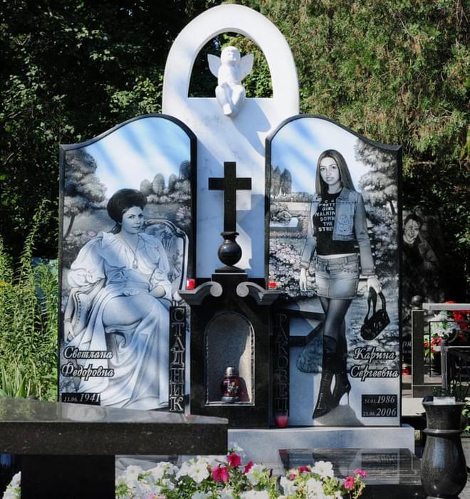 Nghĩa trang mafia độc nhất vô nhị ở Nga: Bia đá to như người thật, khắc họa quyền lực và cuộc sống xa hoa của thế giới ngầm - Ảnh 7.