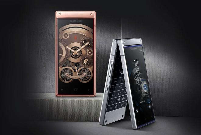 Samsung chính thức trình làng smartphone nắp gập W2019, hai màn hình, hai camera, chip Snapdragon 845 - Ảnh 1.