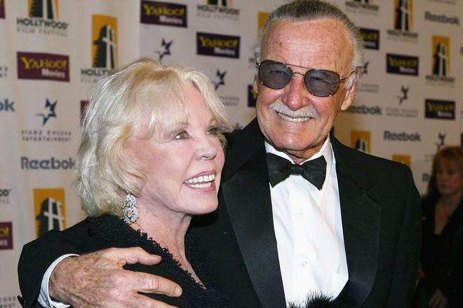 Mối tình kỳ diệu nhất Hollywood của Stan Lee: Yêu từ khi chưa gặp mặt, mất 2 tuần để đập chậu cướp hoa rồi bên nhau 70 năm không rời - Ảnh 9.