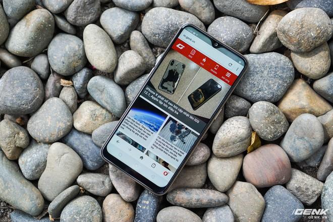 Trên tay OPPO A7: thiết kế đẹp, mặt lưng thủy tinh hữu cơ, cấu hình tầm trung, giá 6 triệu - Ảnh 7.