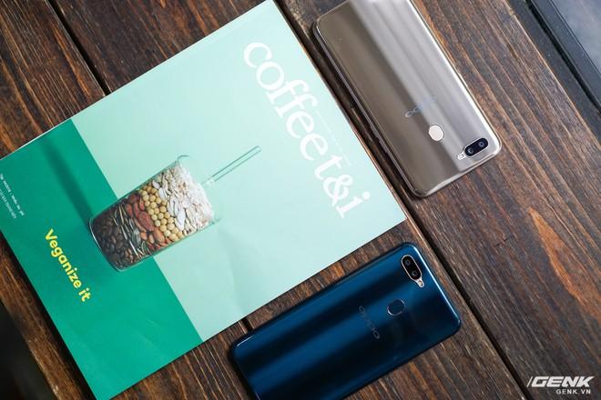 Trên tay OPPO A7: thiết kế đẹp, mặt lưng thủy tinh hữu cơ, cấu hình tầm trung, giá 6 triệu - Ảnh 12.