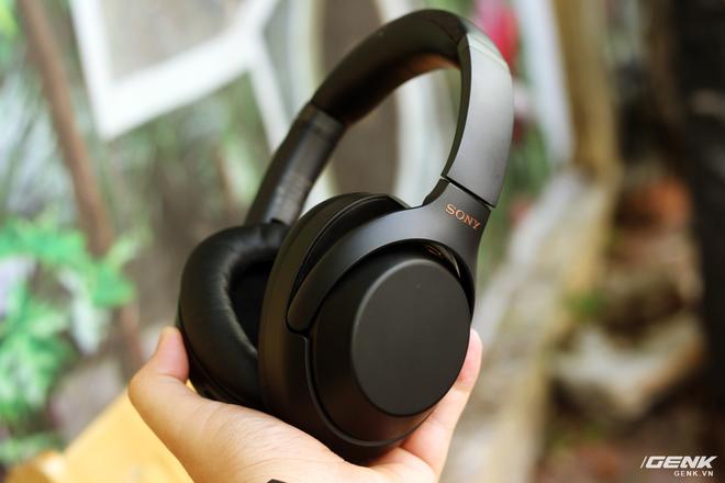 Đánh giá tai nghe Sony WH-1000XM3: chống ồn bá đạo, 10 phút sạc 5 giờ nghe nhạc, giá rẻ hơn phiên bản cũ 500 ngàn đồng! - Ảnh 4.