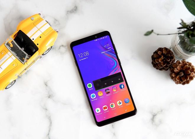 Thách thức smartphone Trung Quốc, Samsung ra mắt Galaxy A9 với 4 camera giá 12.49 triệu, tặng tai nghe Gear IconX (2018) giá 5 triệu - Ảnh 2.