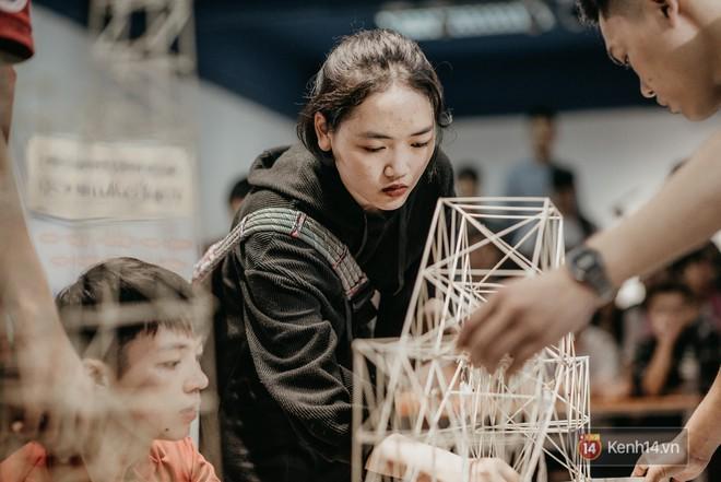 Sinh viên Kiến trúc gây bất ngờ khi tạo ra chiếc cầu siêu mỏng manh nhưng có sức đỡ nặng gấp 5000 lần - Ảnh 4.