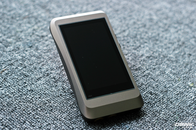 Trên tay máy nghe nhạc iBasso DX120 vừa về Việt Nam: có sạc nhanh, giải mã 32Bit/384kHz, chiến native DSD nhưng giá hơn 7 triệu đồng! - Ảnh 6.