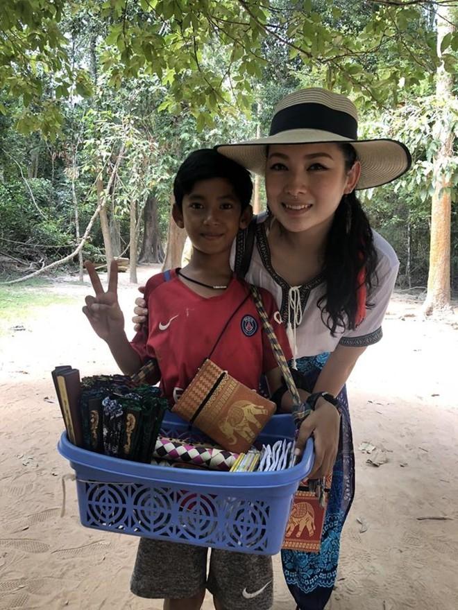 Cậu bé Campuchia giao tiếp bằng mười mấy thứ tiếng được cấp học bổng chính phủ, trở thành ngôi sao truyền hình Trung Quốc - Ảnh 3.