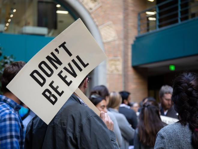 Nhân viên Google trên toàn thế giới bỏ việc, xuống đường biểu tình nhằm phản đối hành vi sai trái của công ty - Ảnh 44.