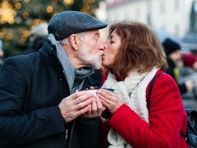 Lịch sử hẹn hò của người mẹ có thể ảnh hưởng đến đời sống tình cảm của con cái - Ảnh 2.