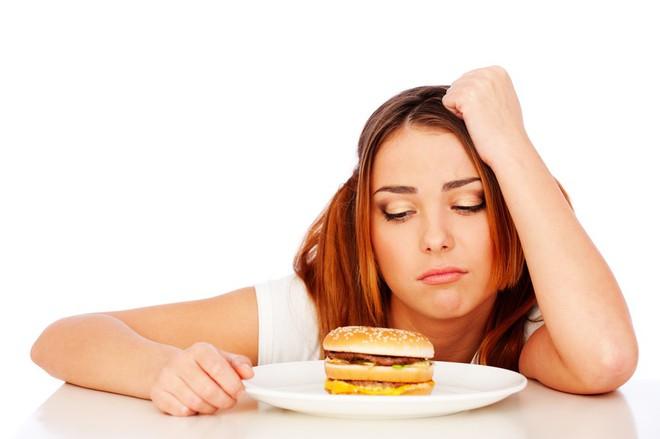 Đây là 7 điều xảy ra với cơ thể khi bạn ăn quá nhiều đồ ăn nhanh - Ảnh 2.