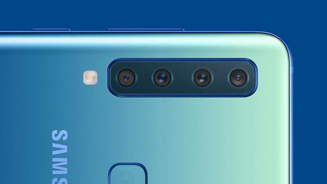 Theo chân Thanos, Galaxy S10 gắn đủ 6 camera lên màn hình vô cực 6,7 inch - Ảnh 1.