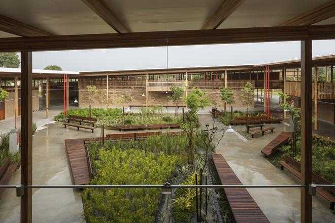 Ngôi trường làm từ gỗ và gạch bùn trong rừng nhiệt đới Brazil giành giải kiến trúc xuất sắc nhất thế giới 2018 - Ảnh 3.