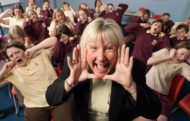 Tiếng quát to nhất kỷ lục Guinness thuộc về một cô giáo với câu TRẬT TỰ - Ảnh 1.