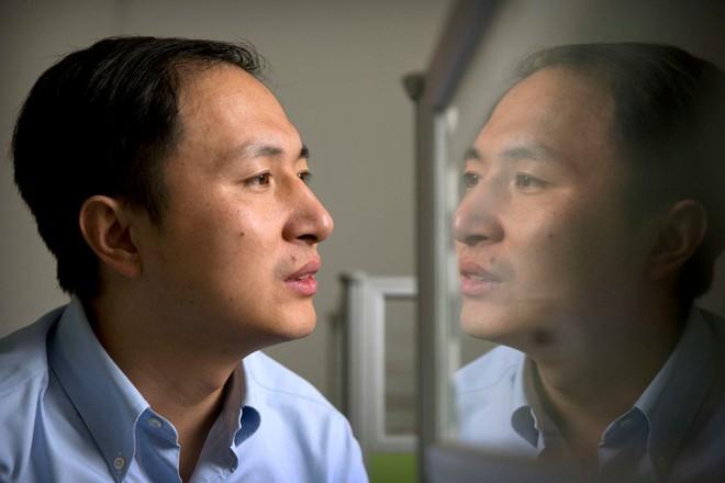 Trung Quốc: Đón 2 bé gái sinh đôi được chỉnh sửa gen đầu tiên trên thế giới, có khả năng chống nhiễm HIV - Ảnh 1.
