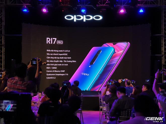 Oppo bất ngờ chọn Huawei làm đối thủ, Galaxy A9 sẽ có đối thủ nào ở tầm giá 12 triệu đây? - Ảnh 2.