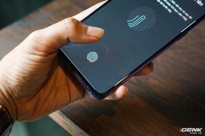 Oppo bất ngờ chọn Huawei làm đối thủ, Galaxy A9 sẽ có đối thủ nào ở tầm giá 12 triệu đây? - Ảnh 5.