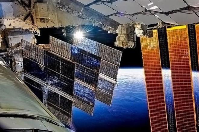 Cận cảnh cuộc sống lơ lửng bên trong trạm vũ trụ quốc tế ISS - Ảnh 15.