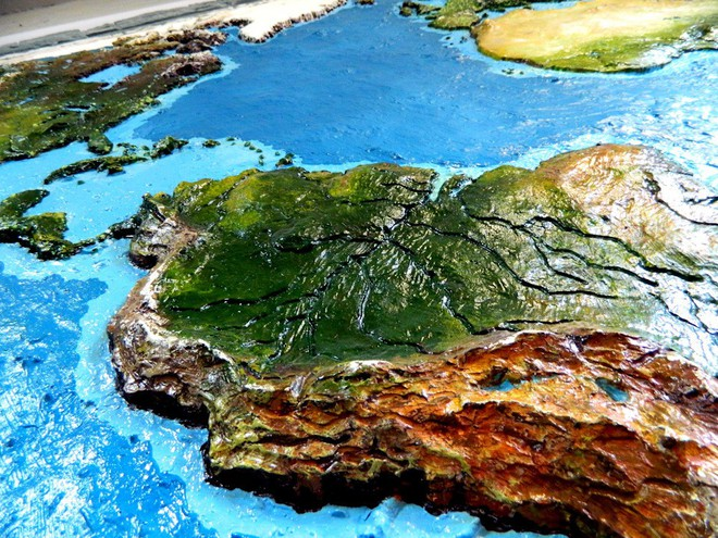 Anh chàng này đã tự làm bản đồ thế giới 3D trên tường chất như nước cất như thế nào? - Ảnh 17.