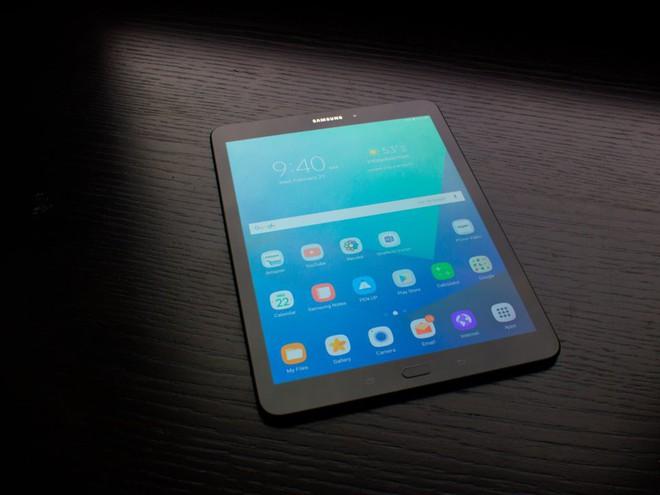 Tất tần tật về Samsung Galaxy X, smartphone màn hình gập sẽ ra mắt rạng sáng ngày mai, mùng 8/11 - Ảnh 6.