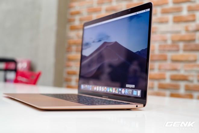 Cận cảnh MacBook Air 2018 vừa về Việt Nam: Nhiều nét tương đồng với MacBook Pro, lần đầu tiên có cảm biến vân tay, giá 37,5 triệu đồng - Ảnh 12.